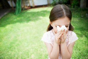 Cách chữa sổ mũi cho trẻ không cần dùng đến thuốc.