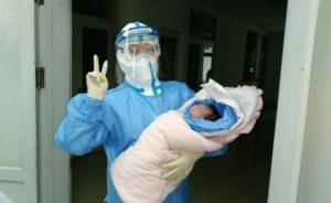 Lo lắng mẹ bầu nhiễm virus corona có lây sang con